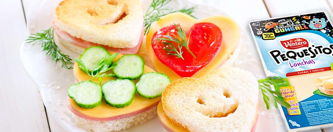 Bocadillo de queso El Ventero en forma de corazón con jamón york y verduritas